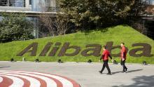 Întoarcerea acasă din Alibaba face plăcere China și cumpără asigurare de război comercial