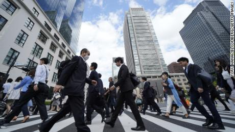 Microsoft tried a 4-day workweek in Japan.  Productivity jumped 40%