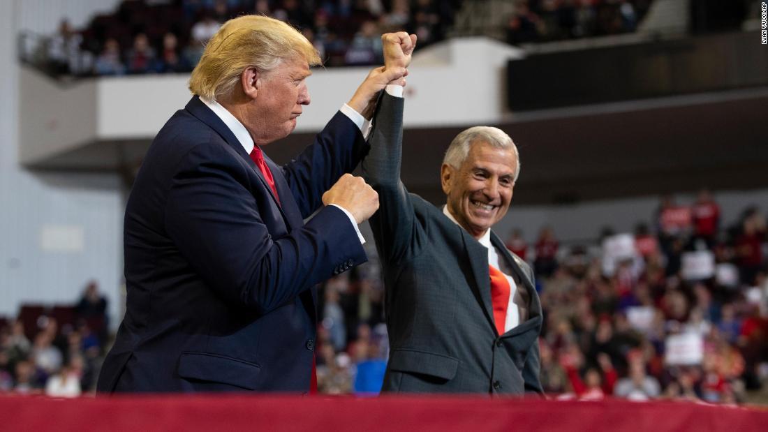 分析:共和党が失墜し、売上高の減少の他知事選挙の今宵
