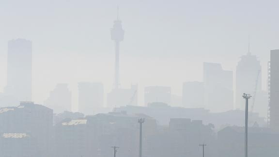 Smoke haze covers Sydney