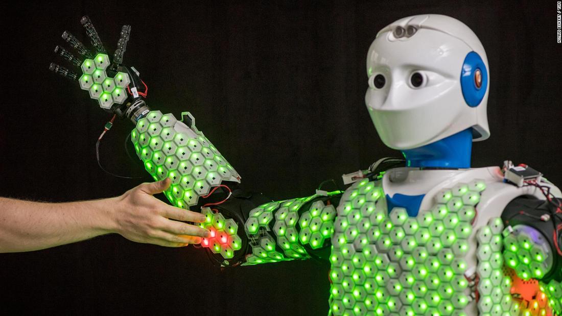 の人工皮膚できるロボットを感じる