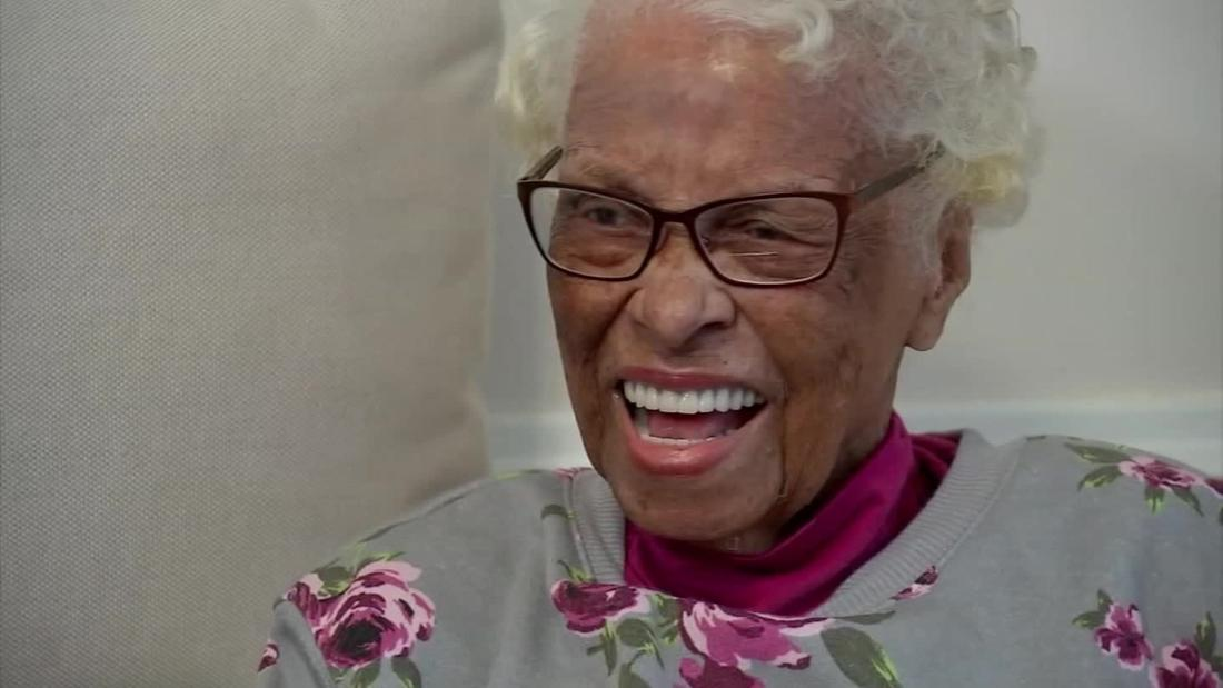 Azellia White, a pioneering African American female pilot, is dead at 106