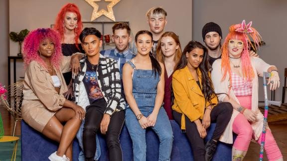 """<strong>""""Glow Up""""</strong>: Aspiring makeup artists apply themselves to celebrity looks, movie prosthetics and more in a colorful competition show hosted by Stacey Dooley. <strong>(Netflix) </strong>"""