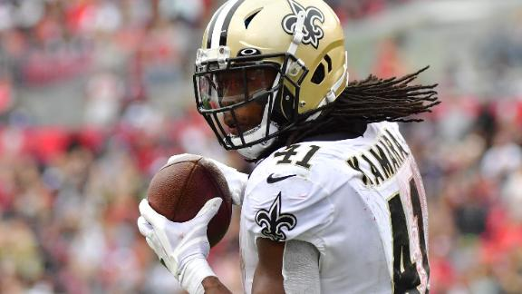 Alvin Kamara of the New Orleans Saints makes a reception against the Tampa Bay Buccaneers at Raymond James Stadium on November 17.