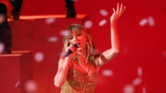 Taylor Swift performs during the 2019 American Music Awards.