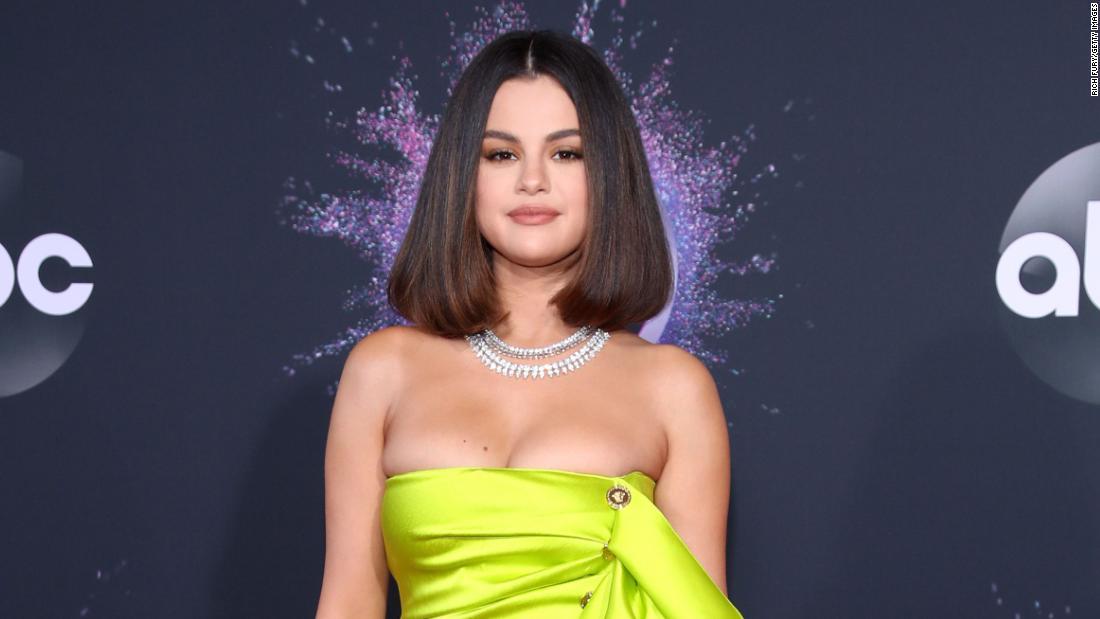 Selena Gomez + đầu bếp = thời gian vui vẻ
