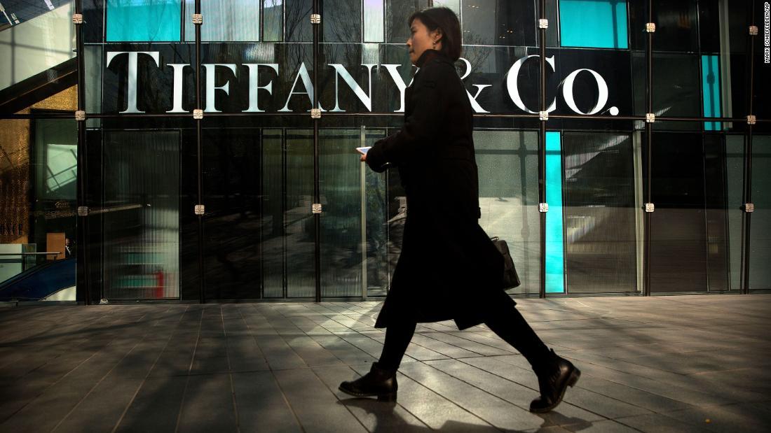 LVMH μαζεύει Tiffany για $16.2 δισ. ευρώ