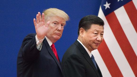 US President Donald Trump (L) and China