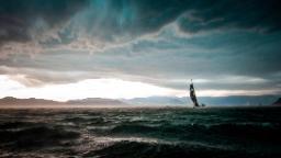 Le prix Mirabaud Yacht Racing Image va à une photo de tempête dramatique