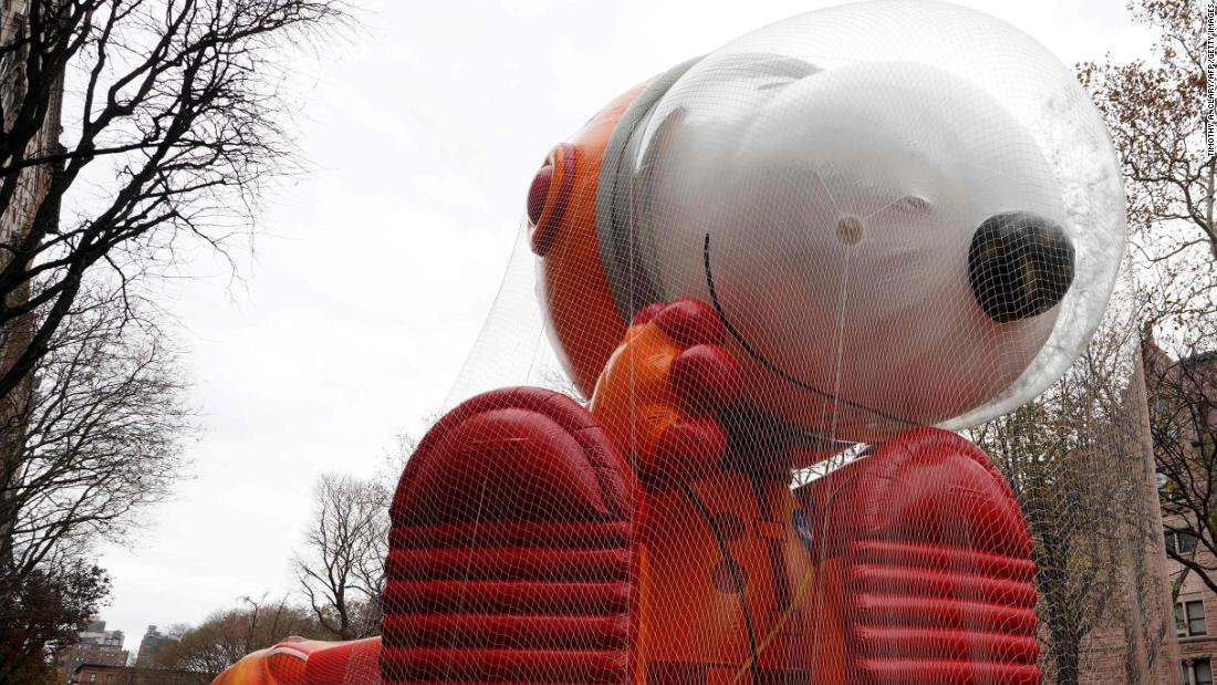 忘れられます。 の快適装備と燃費に振った車が良いの感謝の日にパレード風船を飛?
