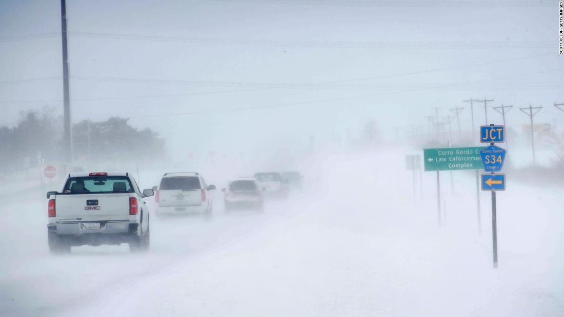 以降雨、降雪、積雪、突風にヒット中の週末にはラッシュ