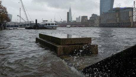 Rising sea levels put London at risk of flooding