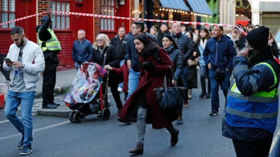 Police evacuate Borough Market.
