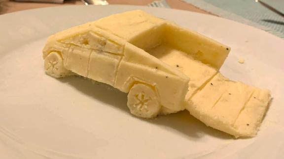 30-year-old Greg Milano created a minitature Tesla Cybertruck with homemade mashed potatoes.