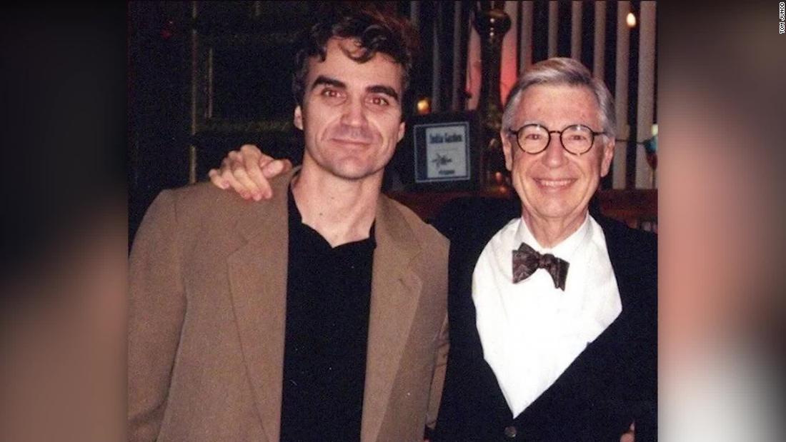 Wartawan membuka tentang hubungan dengan Mister Rogers