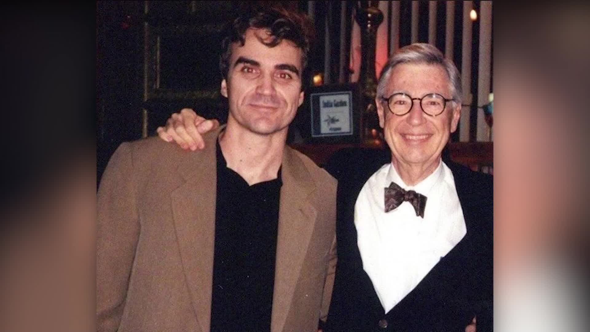 Journalist Talks About His Story That Inspired Mister Rogers Movie Cnn Video