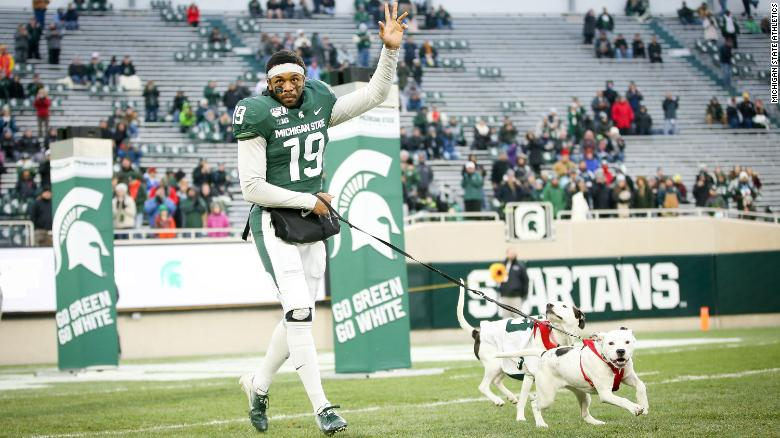 Michigan State Football Senior Bring His Dogs To Senior Day