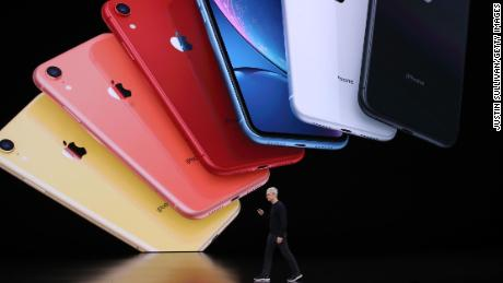 Apple posts record quarter as iPhone sales make a comeback