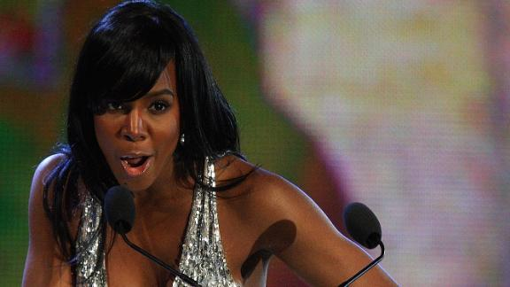 In 2008, Kelly Rowland accepted the Best R&B Award on behalf of Alicia Keys on stage at the MTV Africa Music Awards in Abuja, Nigeria. The singer has visited South Africa and Nigeria for a series of performances since then.