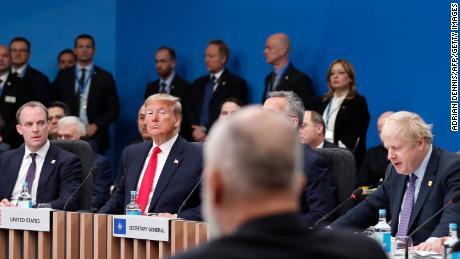 Comment la destitution affecte la politique étrangère de Trump