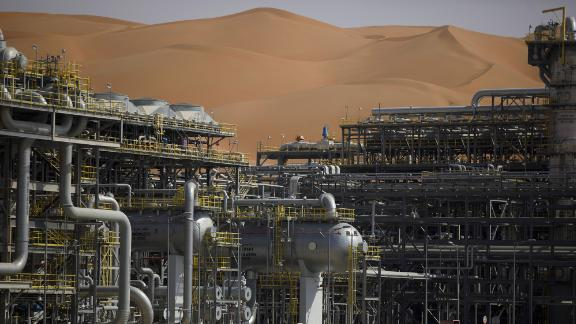 The Natural Gas Liquids (NGL) facility operates in Saudi Aramco's Shaybah oilfield in the Rub' Al-Khali (Empty Quarter) desert in Shaybah, Saudi Arabia, on Tuesday, Oct. 2, 2018. Saudi Aramcoaims to become a global refiner and chemical maker, seeking to profit from parts of the oil industry where demand is growing the fastest while also underpinning the kingdoms economic diversification. Photographer: Simon Dawson/Bloomberg via Getty Images