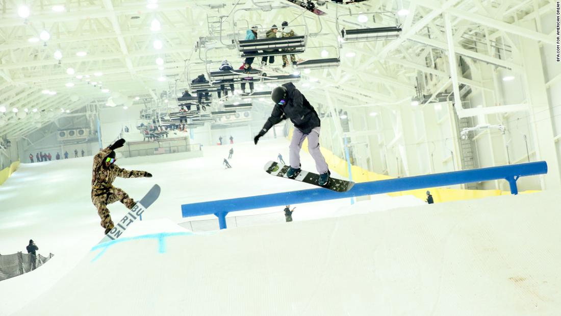 You can now go skiing in a New Jersey mall