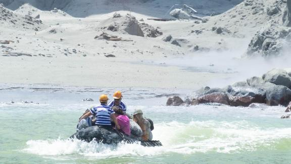 Tour operators evacuate tourists from White Island.