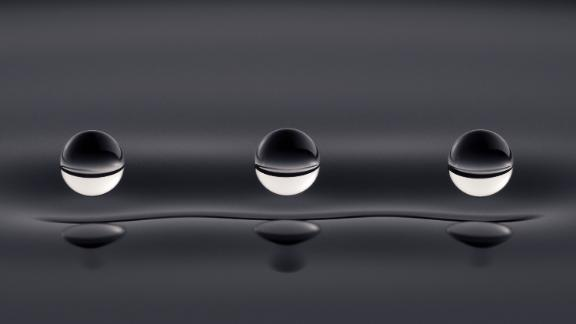An image of three continuously bouncing oil droplets was the winner of this year