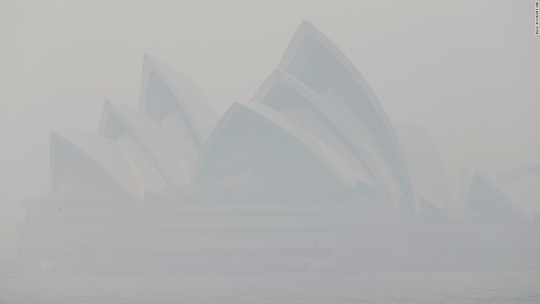 See smoke from bushfires blanket Sydney