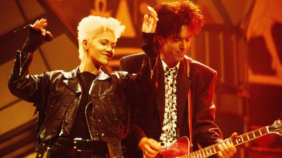 Marie Fredriksson and Per Gessle of Roxette perform on stage at the Smash Hits Poll Winners Party in London on November 11, 1990.