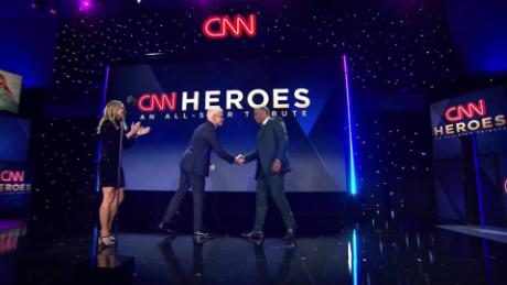 cnnheroes tribute robert smith_00013710.jpg