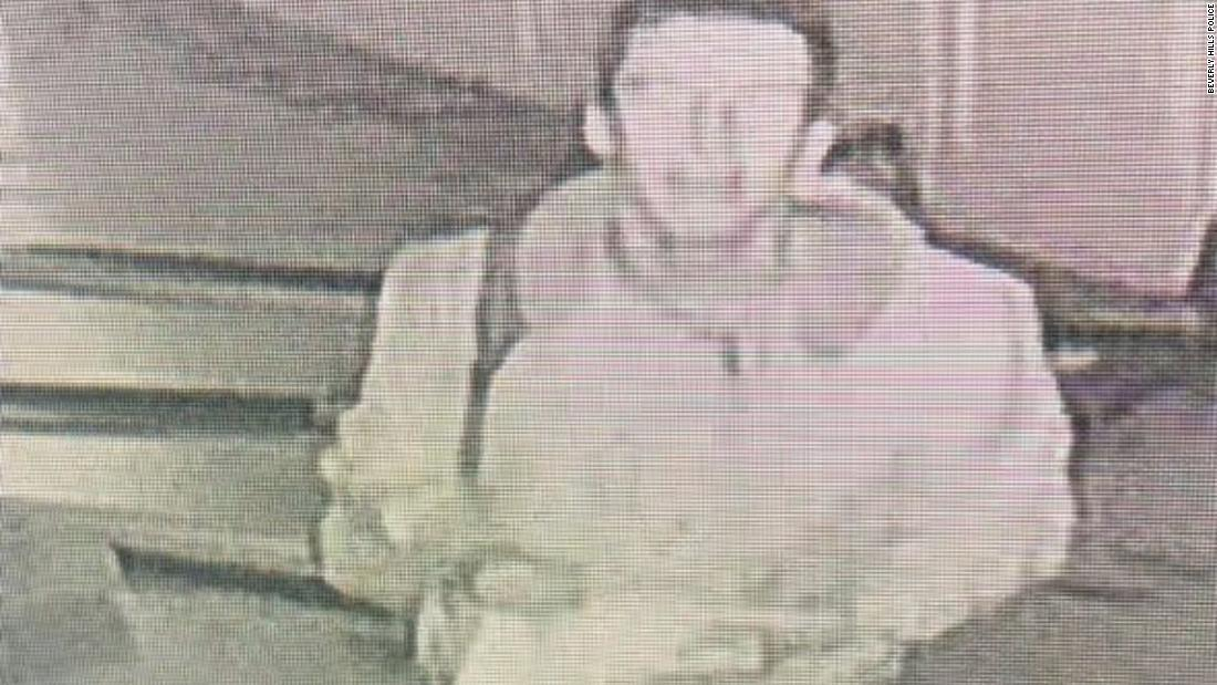 Police are looking for the man who vandalized a California synagogue