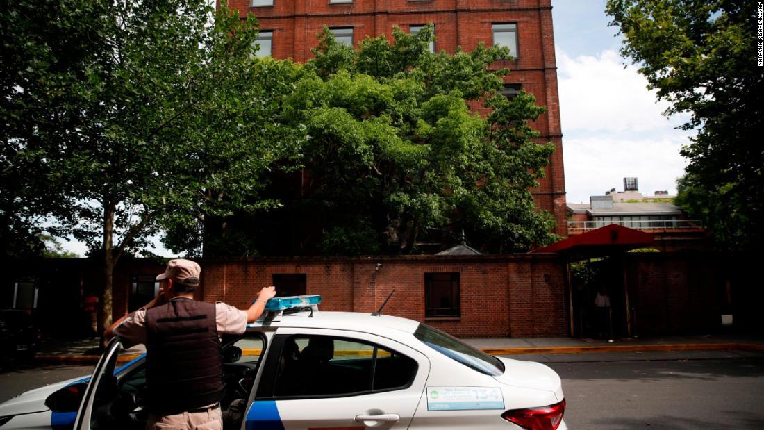 Bericht: Mann erschossen während der Fahrt in Luxus-hotel