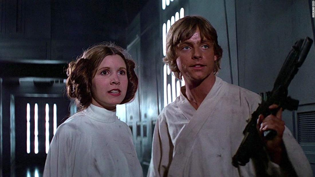 Remember When Carrie Fisher Debuted Princess Leia S Side Buns