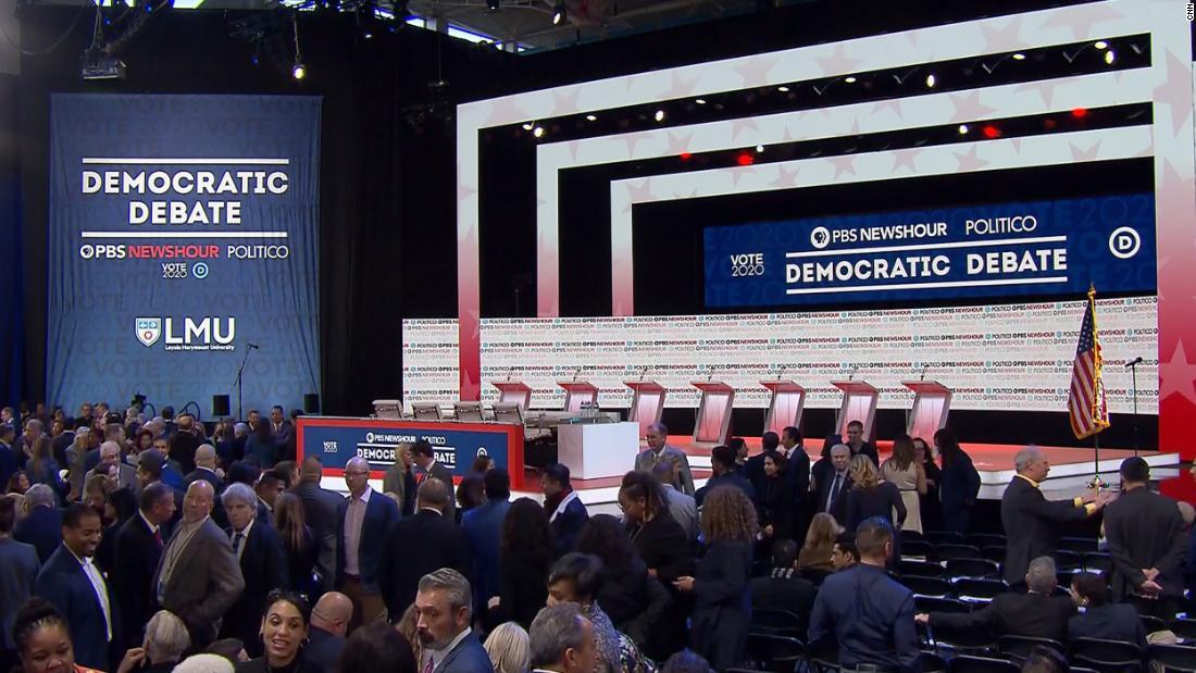 Mehrere Kandidaten angehäuft Buttigieg über seinen großen Geld Benefizveranstaltungen und den relativen Mangel an politischer Erfahrung