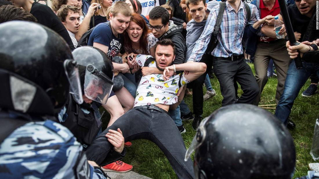 Ρώσος ηγέτης της αντιπολίτευσης λέει ο υπάλληλος, 'απήγαγαν