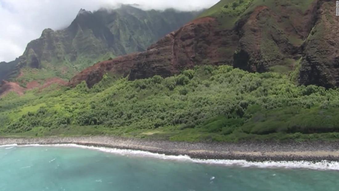 Hawaii helicopter pilot sent no distress call before crash that killed 7 - CNN