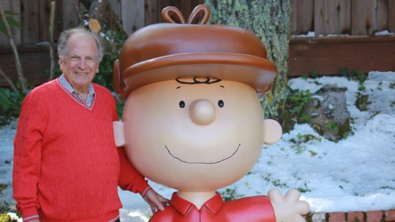 """Lee Mendelson, the longtime executive producer of numerous specials for the TV animated series """"Peanuts,"""" died on December 25, his family said. He was 86."""