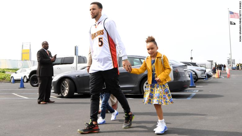 Steph Curry and daughter Riley share