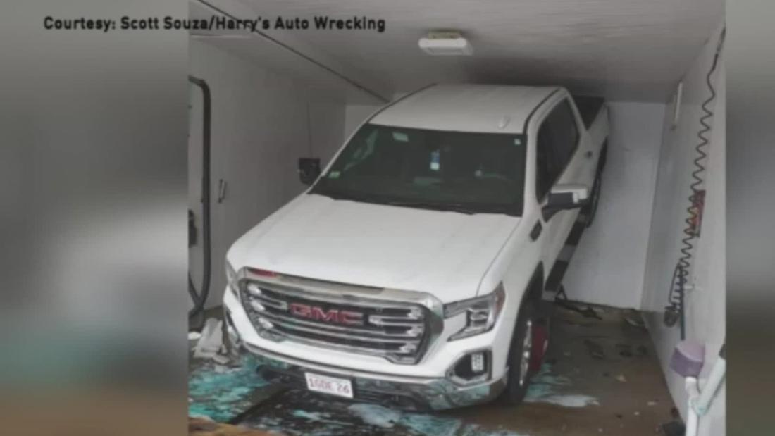 トラックの破砕車内の洗車