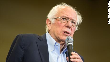 EUA: Bernie Sanders revoluciona campaña demócrata