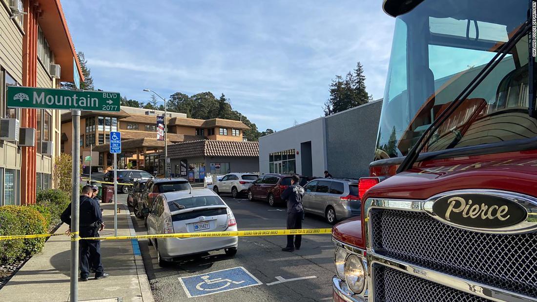 Mann arbeitet bei Starbucks hatte sein laptop gestohlen. Er wurde getötet, nachdem der Jagd nach dem Dieb