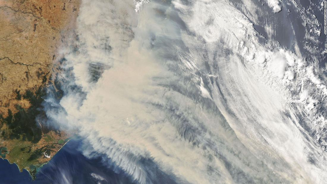 Satellite images show just how bad the Australian wildfires are