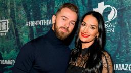 Nikki Bella est fiancée à son ancien partenaire de 'Dancing With The Stars' Artem Chigvintsev