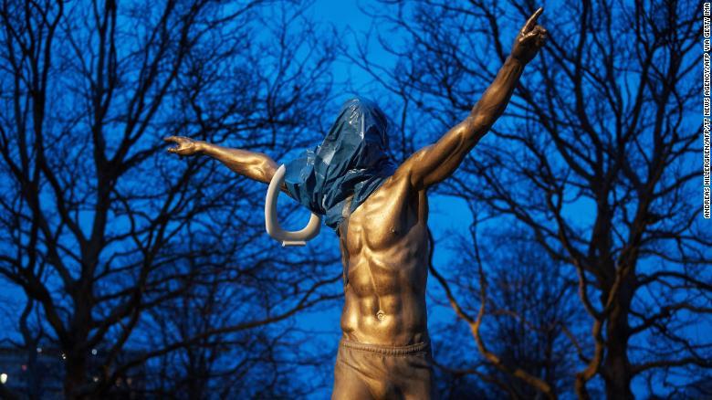 Patung Ibrahimovic
