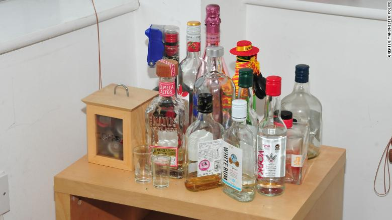 Alcoholic drinks in Sinaga's apartment.