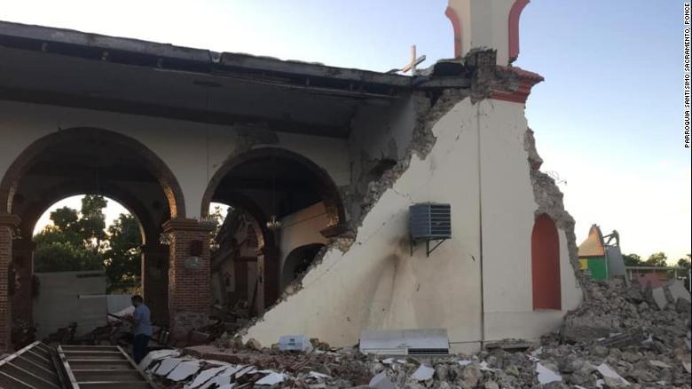 The quake badly damaged the Inmaculada Concepción church in Guayanilla, Puerto Rico.
