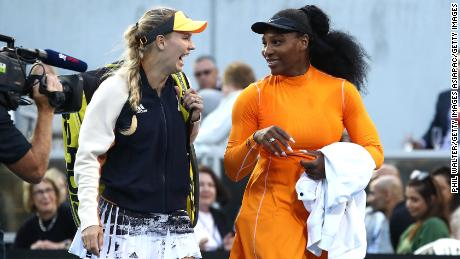 Caroline Wozniacki (left) and Serena Williams will take part in an exhibition match raising funds for Australia's bushfire relief.