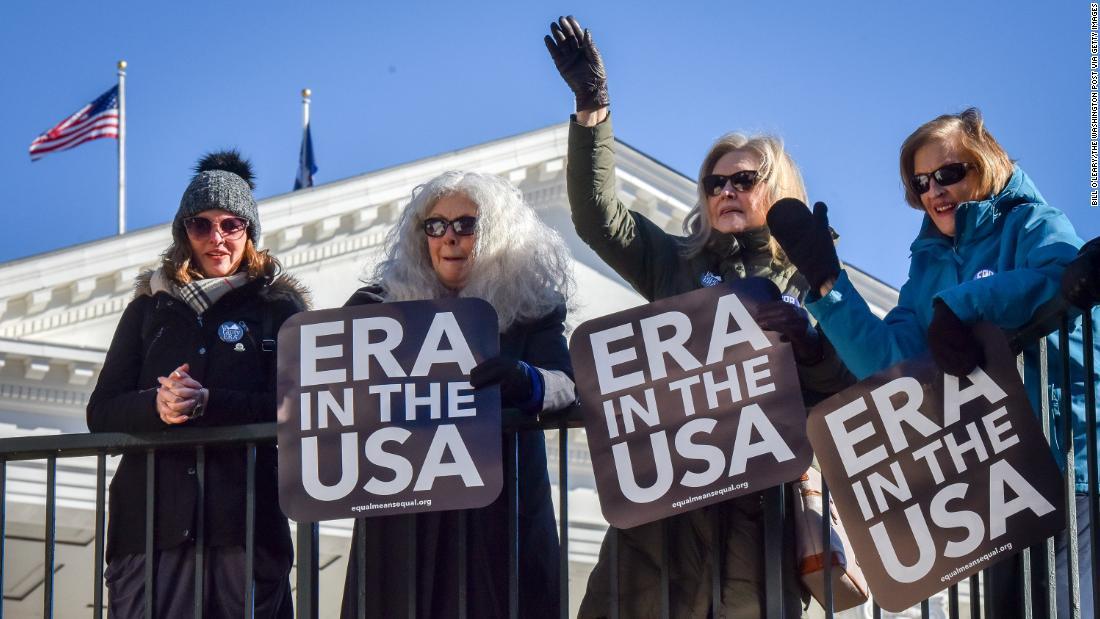 法的な挑戦が待ち受けてのヴァージニアが批准の平等の権利変更