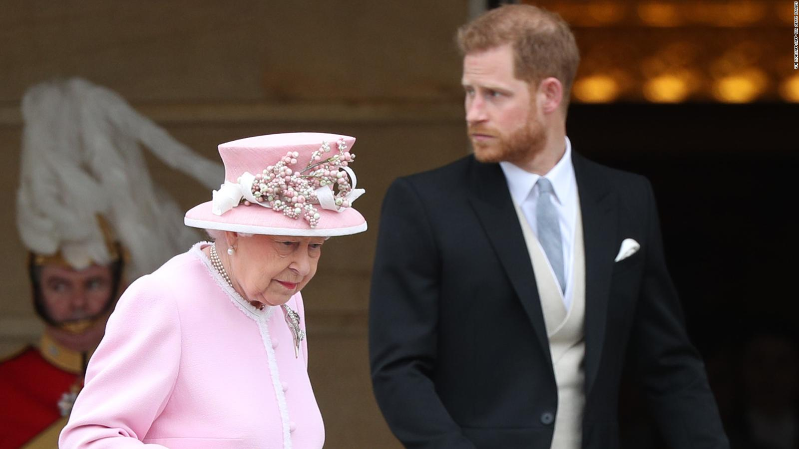 prince harry defied the queen by announcing he and meghan would step back from royal duties cnn how prince harry defied the queen
